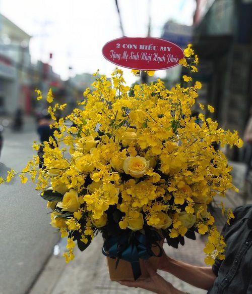 Giỏ hoa tặng chồng ngày sinh nhật